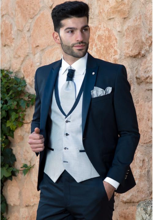 29c692a5e traje-de-novio-azul-marino-roberto-vicentti-500x717 - Don Felix