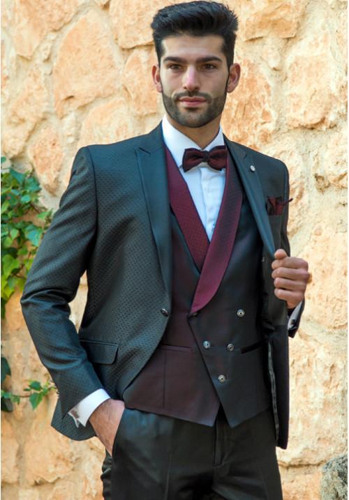 traje-de-novio-marino-chaleco-tornasol-roberto-vicentti-500x717